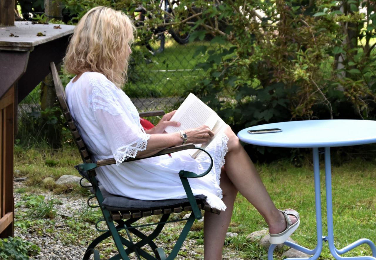 Lazy-Susans-avourite-Outdoor-Furniture-Books