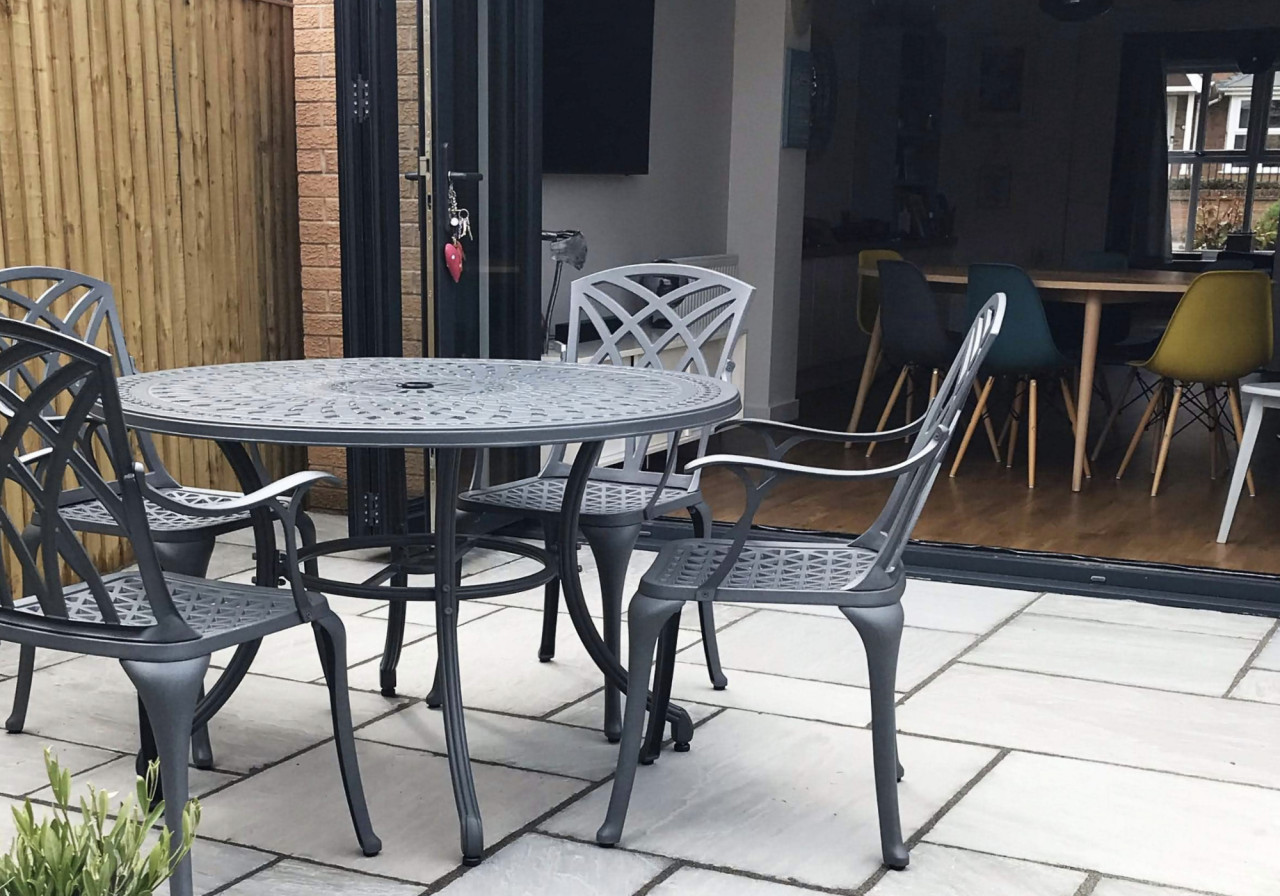 The-Lazy-Susan-Guide-to-Patio-Furniture