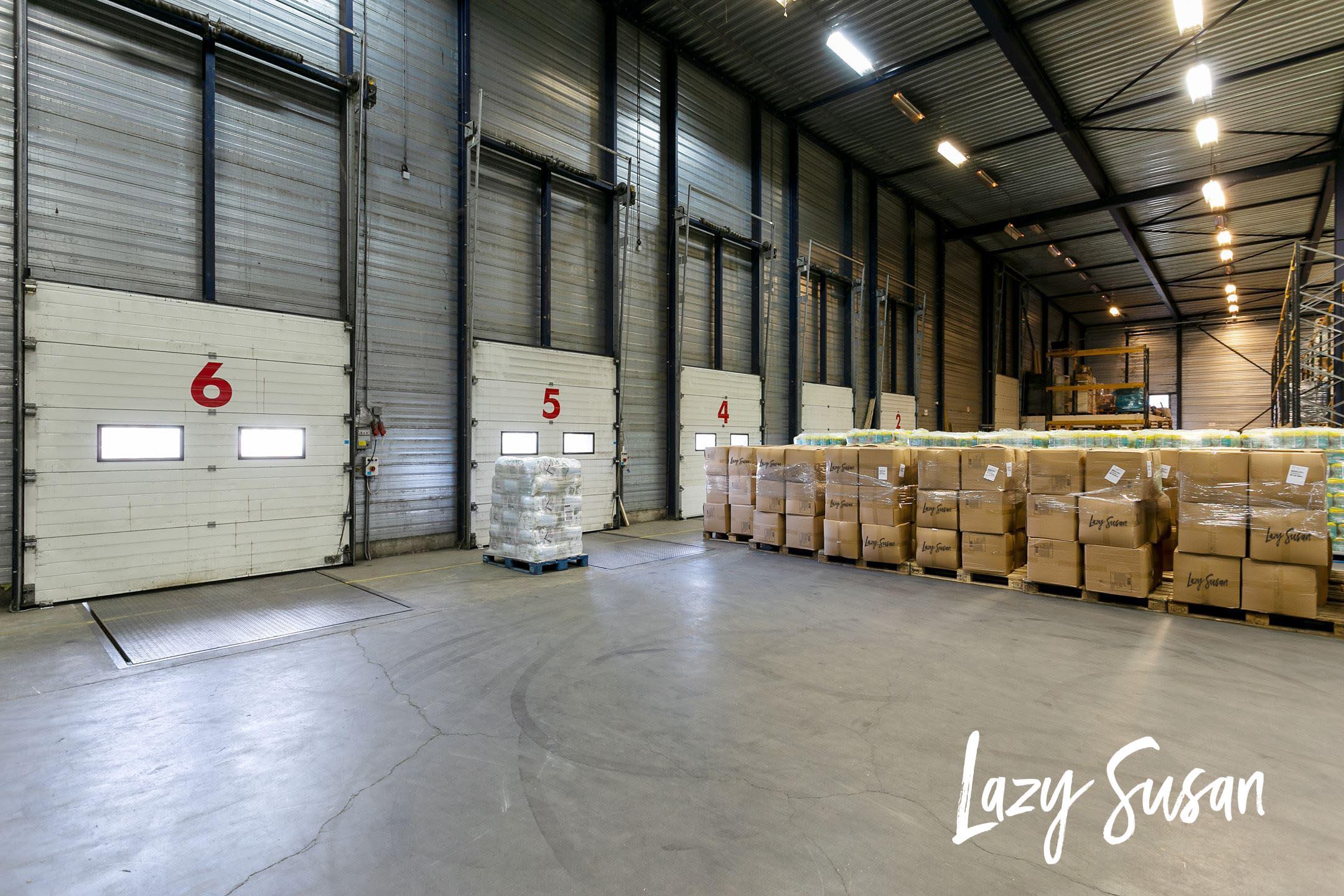 We hebben gekozen voor een ruime locatie om ervoor te zorgen dat we altijd voldoende voorraad hebben om jouw bestelling zo snel mogelijk te kunnen leveren