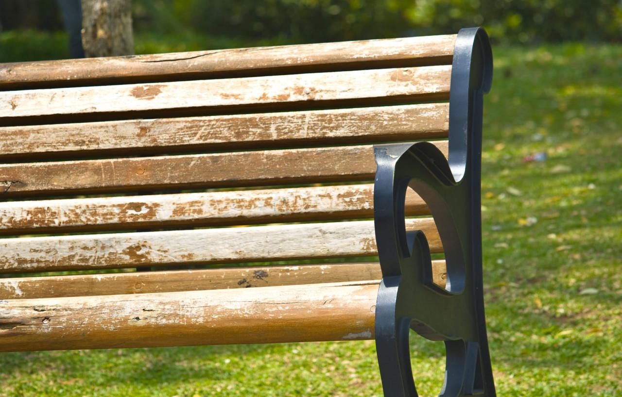 Wooden-Bench