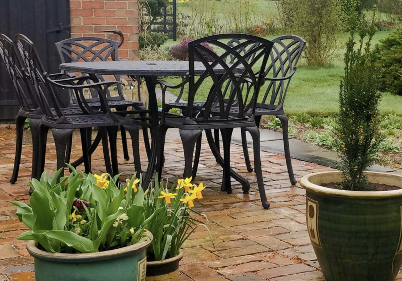 How-To-Protect-Your-Garden-Table