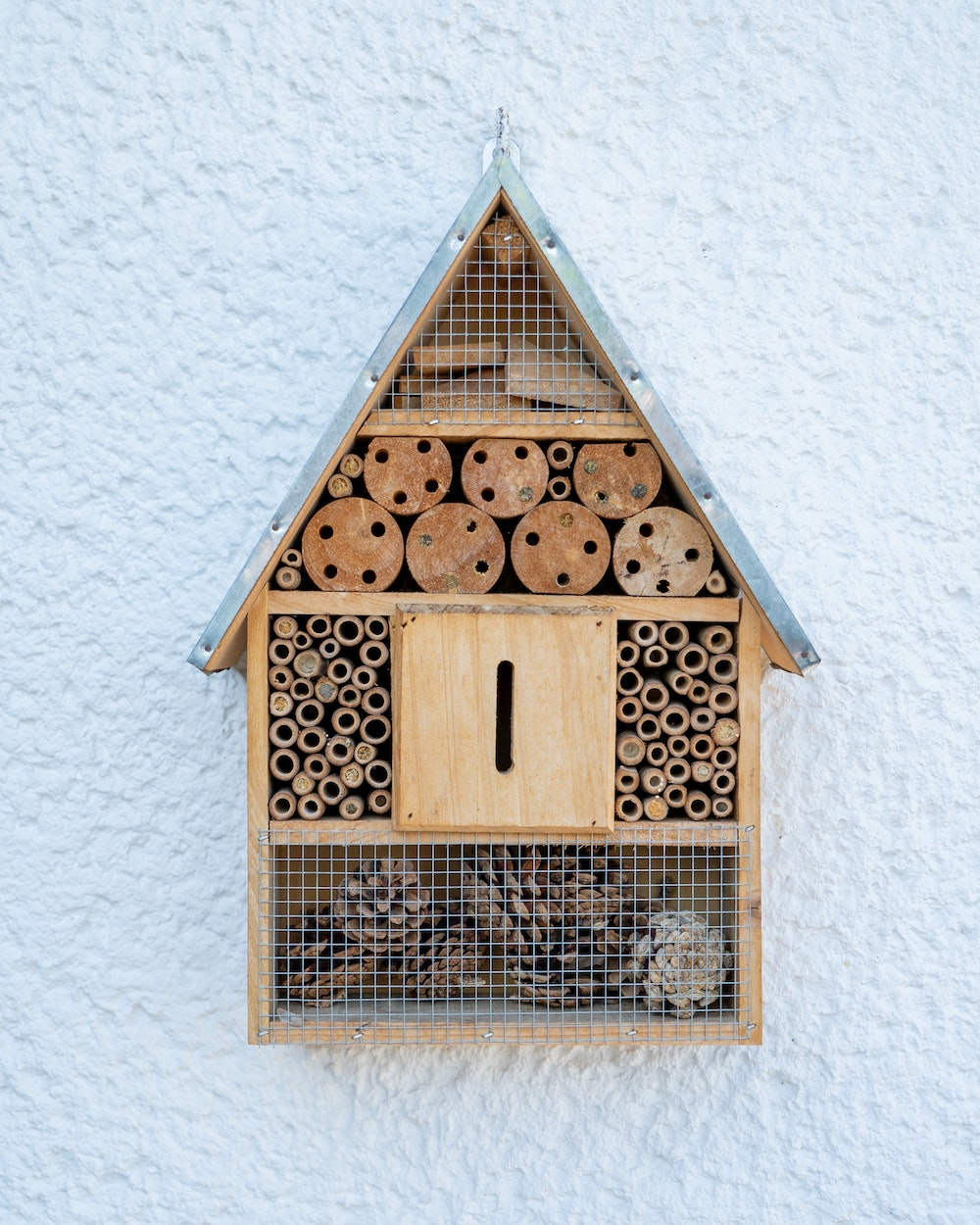 50 DIY bug hotels from Carftionary