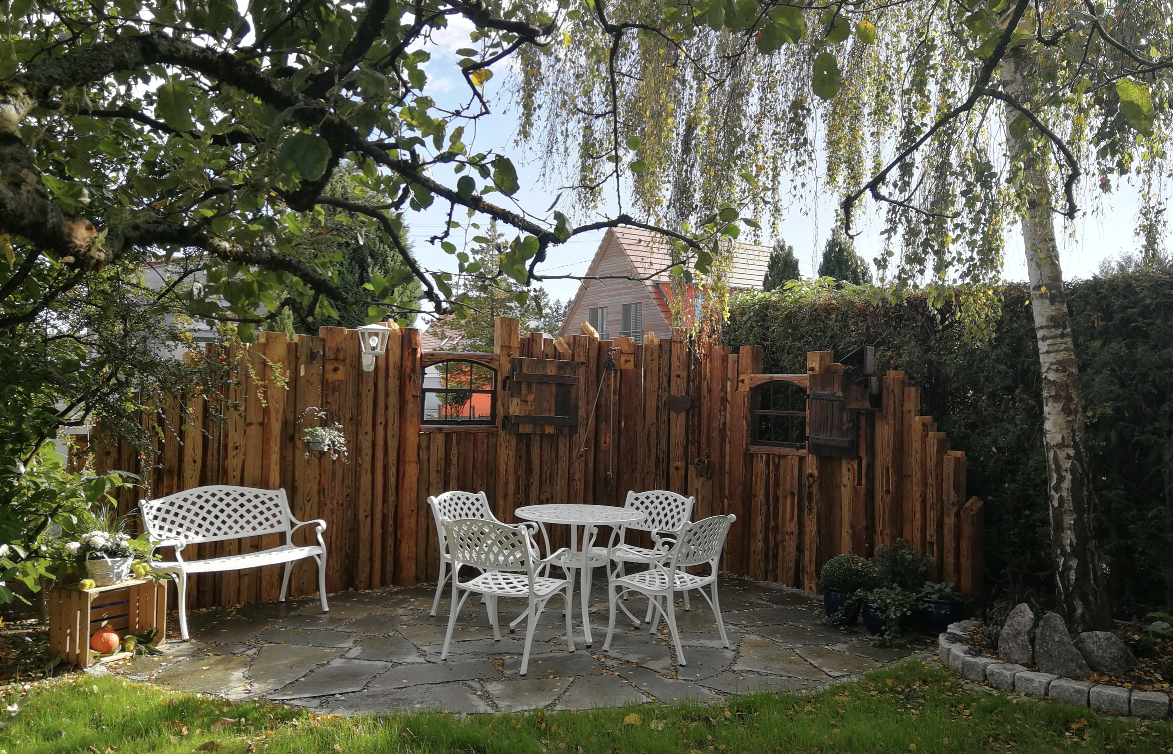 Jill Garden Table paired with Jasmin Garden Bench