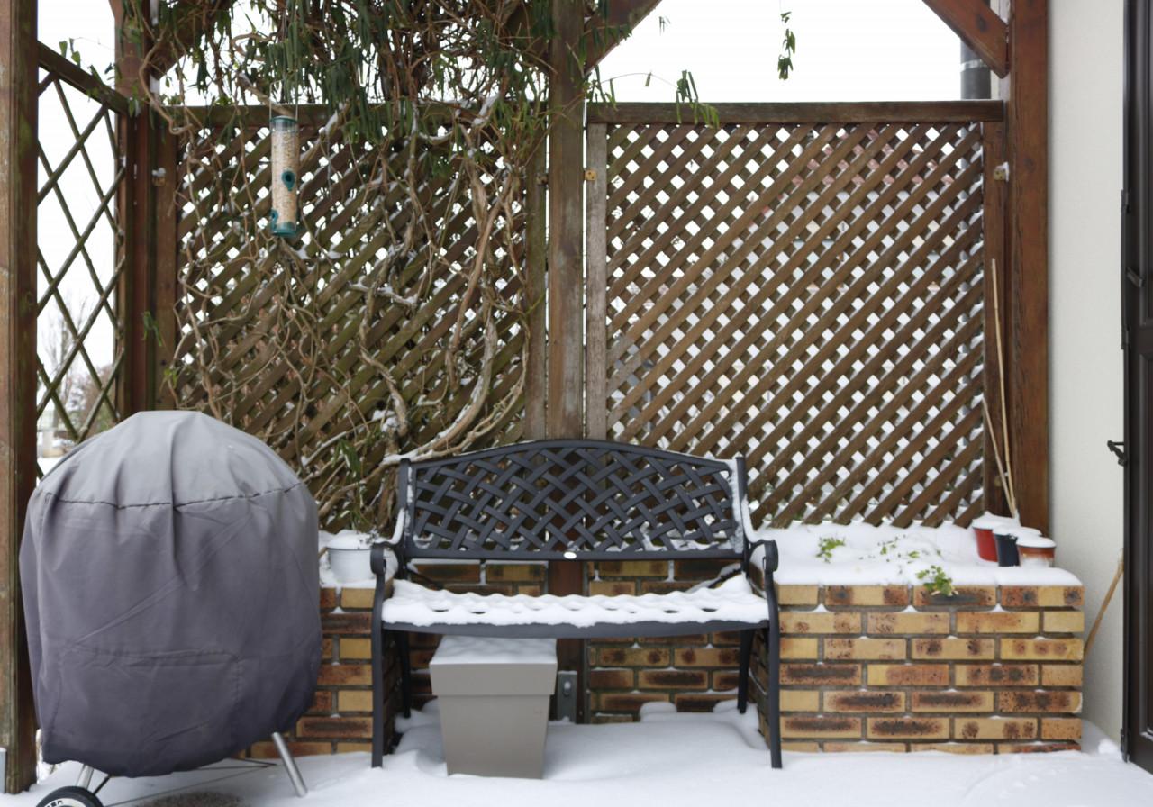 Jasmine-Bench-AB-customerFR_snow_winter_5star-2