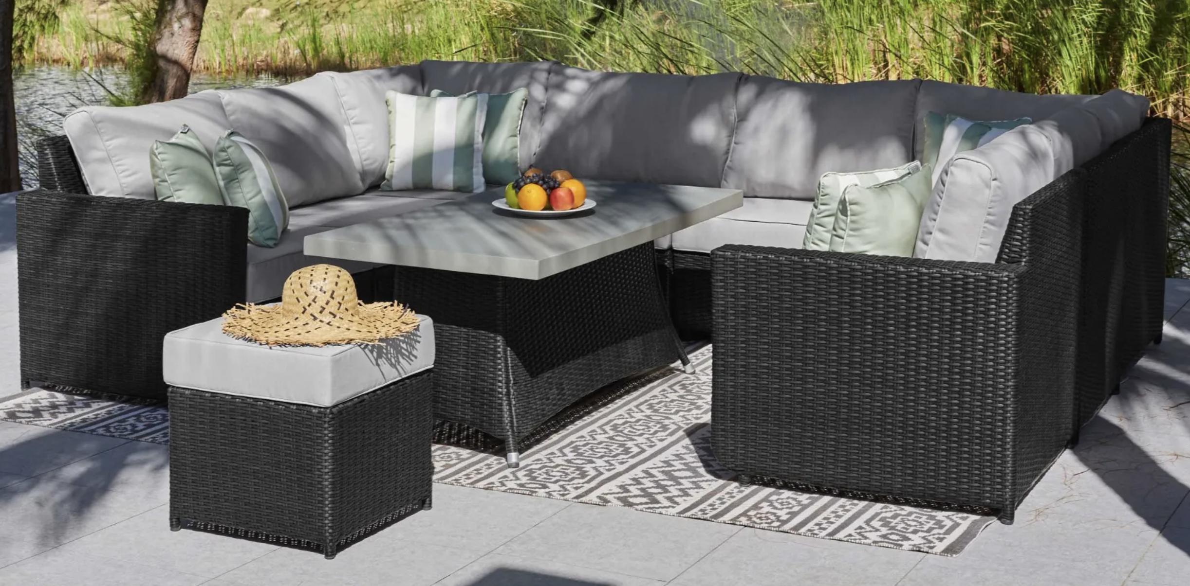 Halo U-Shaped Outdoor Sofa