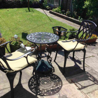 London Rose Table - Antique Bronze (2 Seater Set)