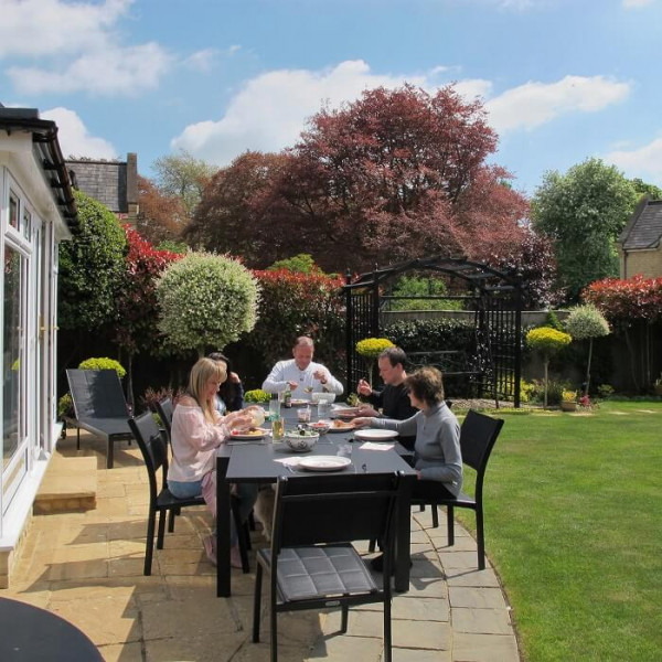 Large_8_Seater_Black_Metal_Aluminium_Glass_Practical_Extending_Garden_Furniture_Dining_Table_Set_10