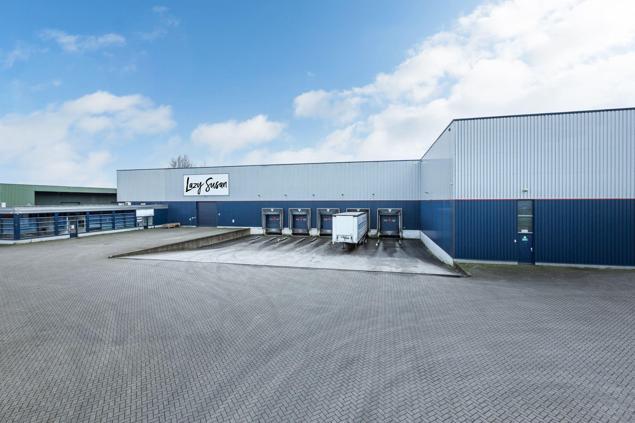 Ons grote en moderne magazijn vlakbij Eindhoven in Brabant. Centraal gelegen om snel gemakkelijk te kunnen leveren in onder andere Nederland, Duitsland, België, Frankrijk en de rest van Europa.