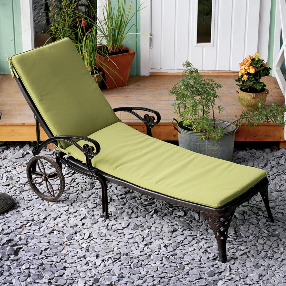 Lattice Lounger Cushion in Green