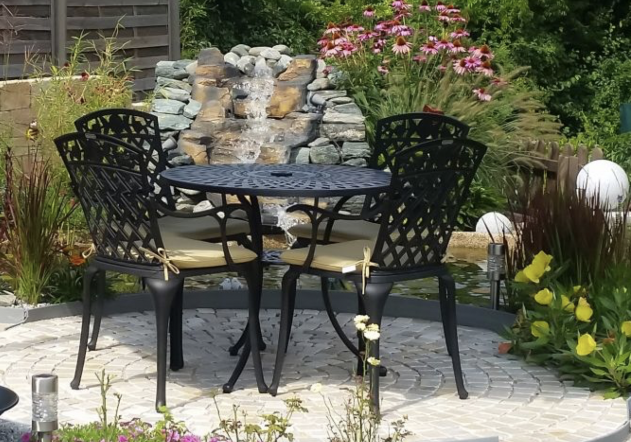 How-To-Care-For-Outdoor-Furniture-Cushions