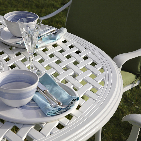 Lily_Cast_Aluminium_White_Garden_Furniture_5