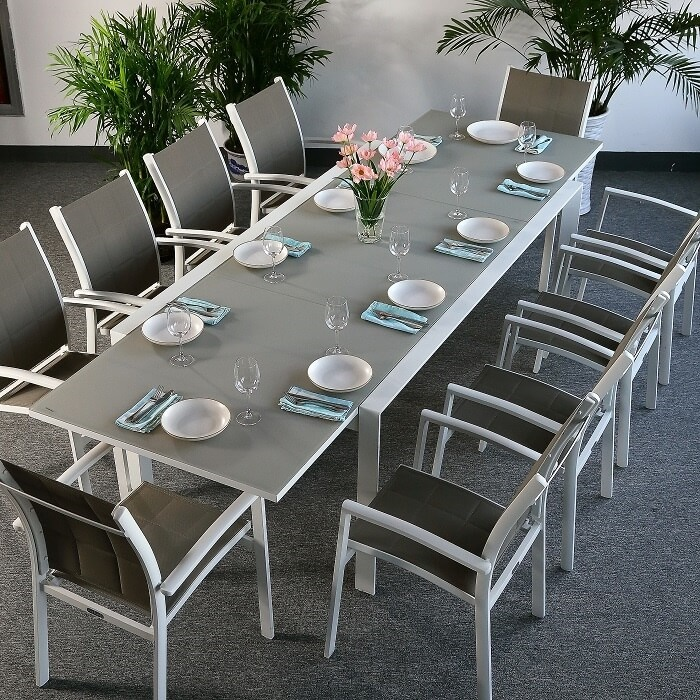 Modern garden furniture all furniture for Table une personne